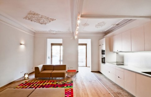 Flat in Eixample historic building, Barcelona